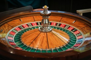 casino party roulette wheel